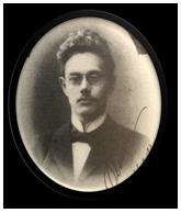 Svartvitt porträtt av Oscar Olsson.